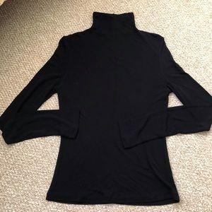 Black turtleneck long sleeve top